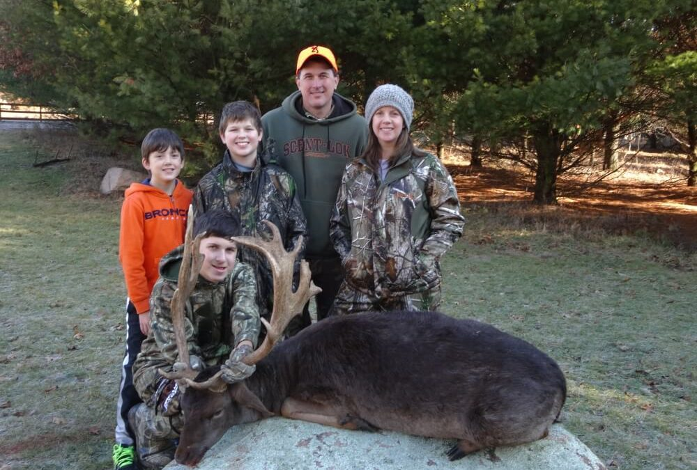 family deer hunting Wisconsin