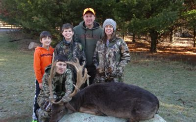 Best Family Deer Hunting Trips in Wisconsin
