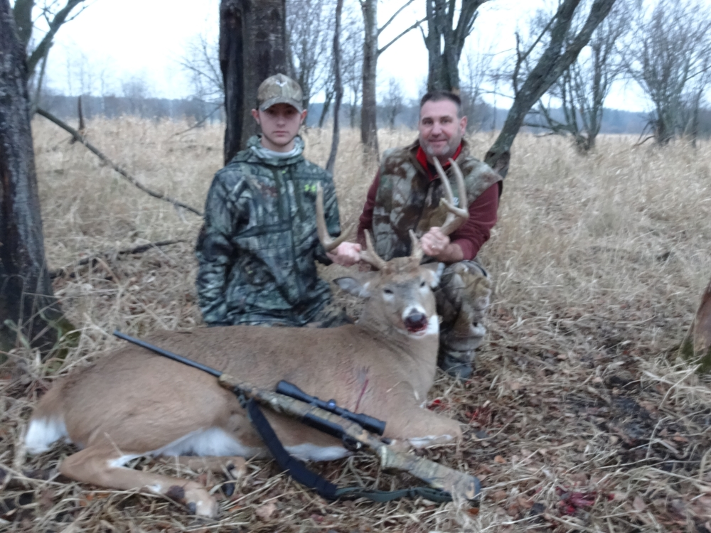 white tail deer hunting Wisconsin